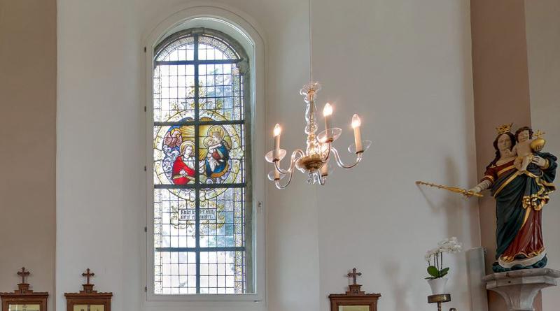 07-12-19-Barrockkirchenfenster-800