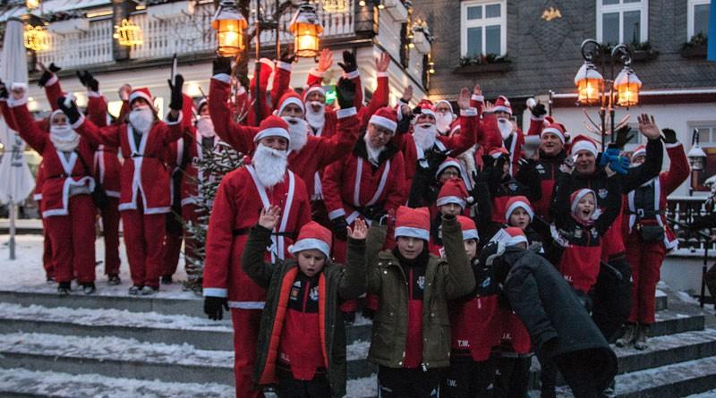 14-12-19-Santa-Run-800