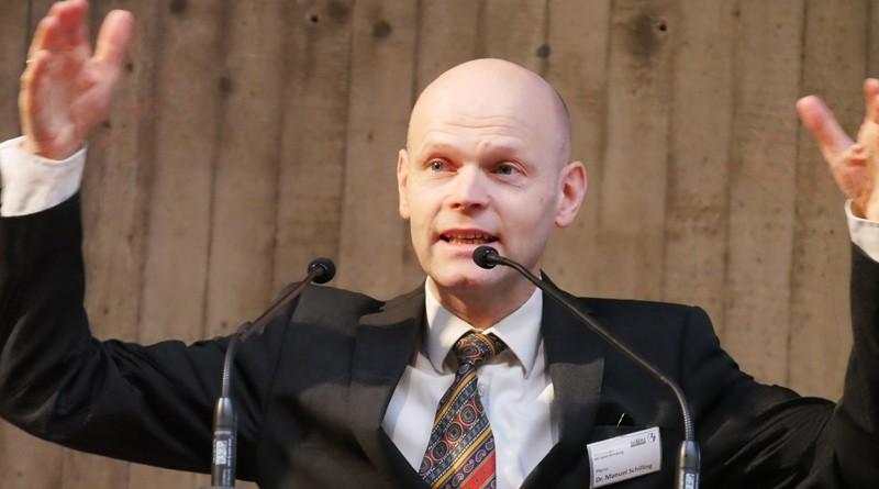Superintendent Dr. Manuel Schilling