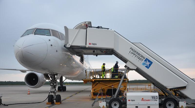 Frachtflug mit fünf Millionen Schutzmasken am Paderborn-Lippstadt Airport eingetroffen