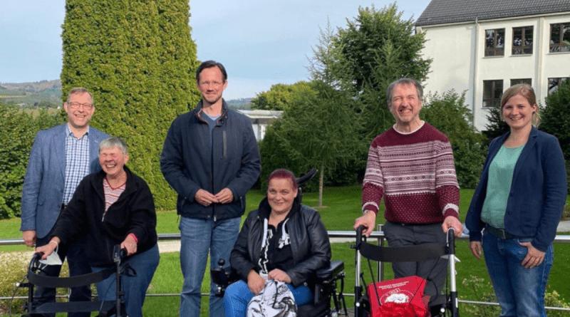 Dirk Wiese zu Besuch im Josefsheim in Bigge